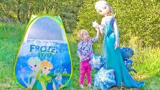 Настя спасает принцессу Эльзу и заводит новых друзей