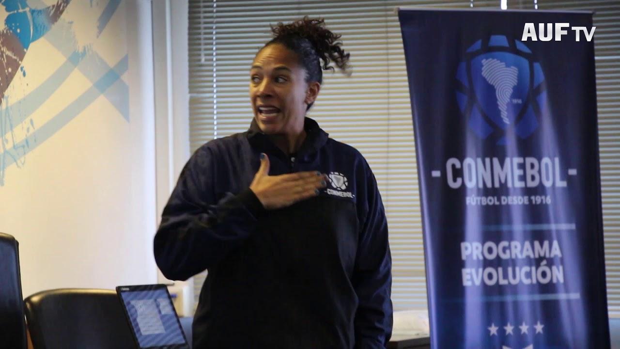 Curso de Fútbol Femenino de AUF - CONMEBOL para entrenadores y preparadores físicos.