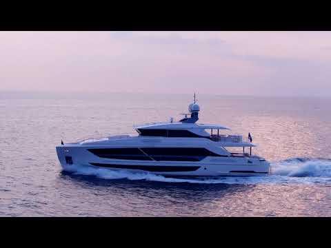 102呎豪華遊艇