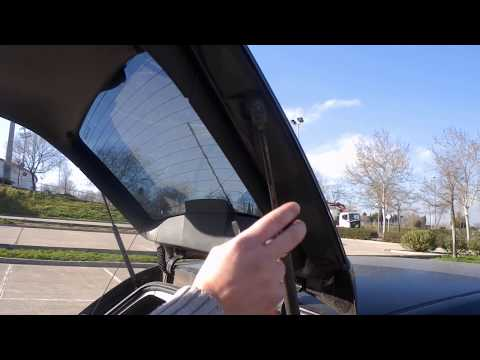 Cómo cambiar los amortiguadores del portón trasero del coche