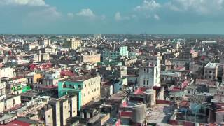 preview picture of video 'Beautiful view on Havana from the roof of the Bacardi Building'