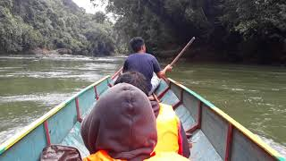 preview picture of video 'Menelusuri Sungai KALIMANTAN UTARA'