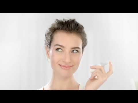 EUCERIN Hyaluron-Filler Vitamin C Booster sérum antiedad 8 ml para fortalecer la piel y rellenar las arrugas