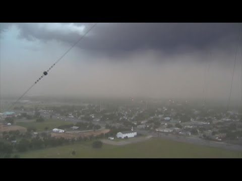 "The National Weather Service says a ""wall of dirt"" passed over Lubbock, Texas on Wednesday. It says strong thunderstorms picked up a large amount of dust, which moved across that region of North Texas along with 60 mph wind gusts. (June 6)"