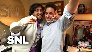SNL Backstage: Follow Friday with Kyle Mooney and Beck Bennett - Video Youtube