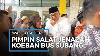 Suara Wali Kota Depok M Idris Bergetar Pimpin Salat Jenazah 7 Korban Kecelakaan Bus di Subang