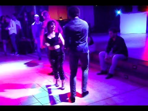 Terry SalsAlianza y Ilenia 👉 MaMaCiTaS 💥 All-In Dance | Social Salsa dancing