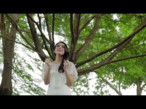 Bertahanlah Cinta - Celine Evangelista (Official Music Video)