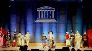 """ЮНЕСКО Парис """"Mongol COSTUMES"""""""