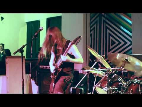 Intentional Trainwreck - Lunchbox (Live at Metro Gallery)