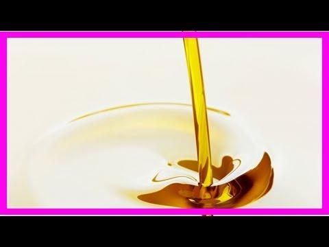Das Wasser mit dem Honig und dem Zimt auf nüchternen Magen für die Abmagerung