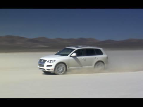 Volkswagen Touareg TDI Top Speed Dry Lake Test
