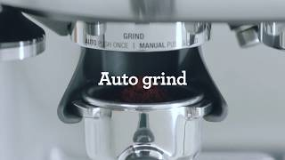 Make a latte with the Barista Pro™