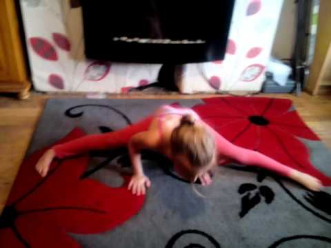 The worlds most flexible little girl need to watch it