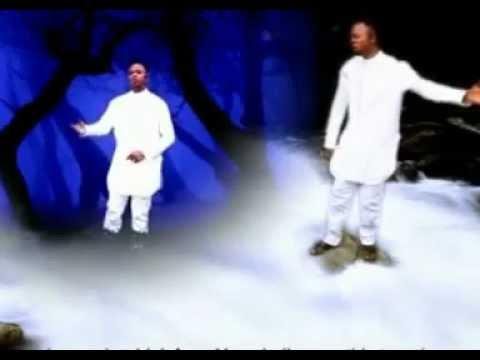 Evang. James Arum performs Glorious Worship 2