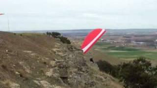 preview picture of video 'Alba de tormes Paraglider Soaring'