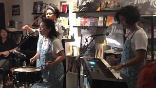 NonaRia - Geef Mij Maar Nasi Goreng (Live At Kios Ojo Keos, Jakarta 18/12/2018)