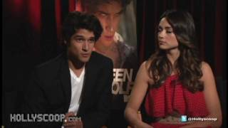 Hollyscop.com Crystal Reed & Tyler Posey