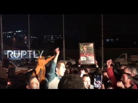 SAAは、東部を解放した後、アレッポの住民は喜びます