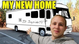 I BOUGHT AN RV - TOUR OF MY NEW RV