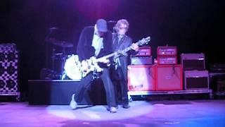 Cheap Trick Speak Now Tom Petersson 12 string bass focus 06-09-13 @ Santa Barbara Bowl