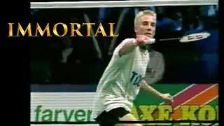 10 MOST FAMOUS Badminton Trick Shots