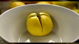 ЭТО СПАСЕТ ВАШУ ЖИЗНЬ...Разрежьте лимон и держите его в вашей спальне!!