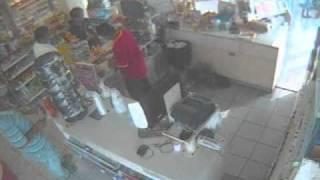 Gonzalez, Tamps. la tienda de la esquina, robo de lentes x pintor SIN RESOLVER.wmv