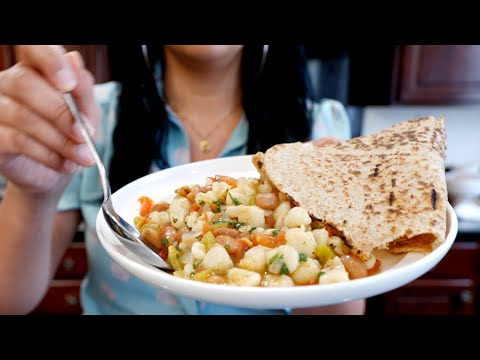 Quick & Easy Hominy Guisado/ Stew | Meatless Mexican Recipes