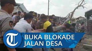 200 Personel Polisi Diterjunkan Buka Blokade Jalan yang Ditutup Warga