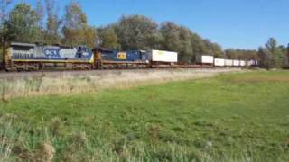 preview picture of video 'Amtrak 48 meets CSX Q109 at Lyons, NY 09-26-09'