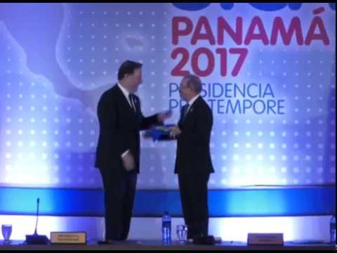 Presidente participa en Cumbre de SICA