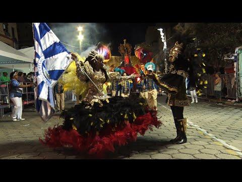 Veja como foi o desfile da escola de samba do Grupo A Raio de Luar
