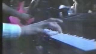 Angels Cry [Angra] - Live - Auditório MTV - 1994 [AM Vídeos]