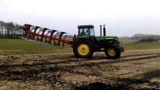 John Deere 4255 ploughing