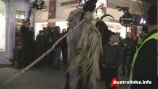 preview picture of video 'Perchtenlauf Baden bei Wien / 12.12.2009 / Badener Adventmeile'