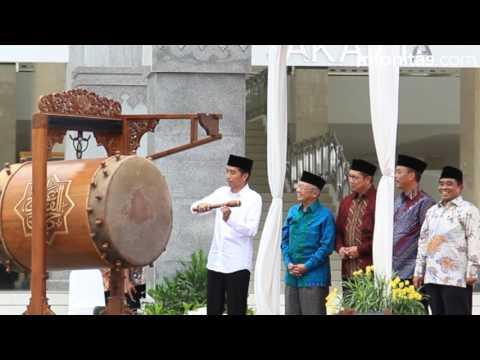 Jokowi Reresmikan Masjid  Raya KH Hasyim Asy'ari