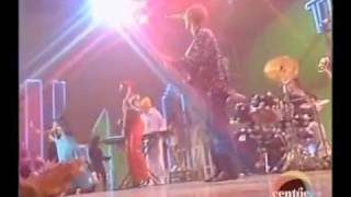 Soul Train 91' Performance - The Brand New Heavies - Never Stop!