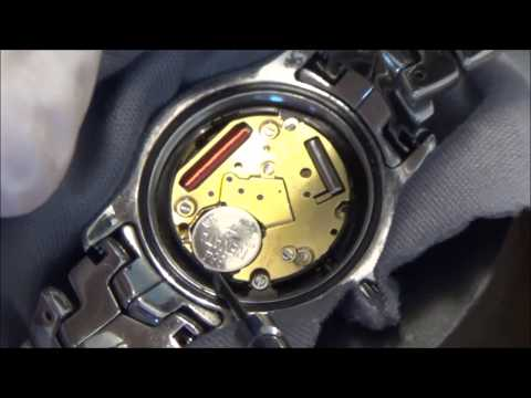 How to change the battery on a TAG Heuer Link Watch