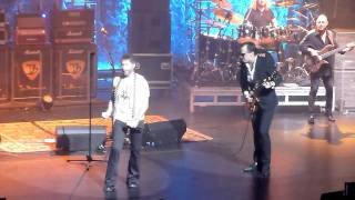 Joe Bonamassa with Paul Rodgers - Walk In My Shadow - Beacon Theatre 11-5-11.mov