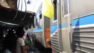 preview picture of video 'MAHACHAI RAILWAY MARKET'