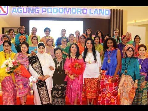 Glow Fashion Show 'Pesona Indonesia Timur'