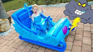 Disney Frozen Sleigh Ride and saving toys