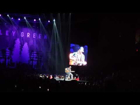 Riley Green - 'I wish grandpa's never died' - Unreleased Live version