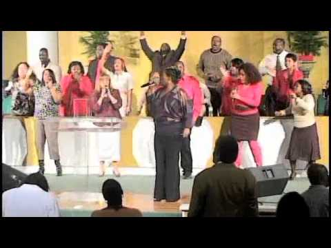 """Shanrae Cheree Price-Owens and Living Faith Tabernacle Praise Team """"goin in"""" on Can't Stop"""
