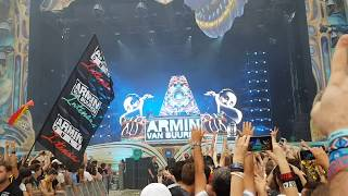 "Armin van Buuren playing ""If I Lose Myself Coming Home"" at Untold Festival 2017"
