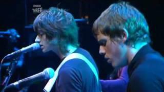 Arctic Monkeys - A Certain Romance [live at Reading Festival 2006]