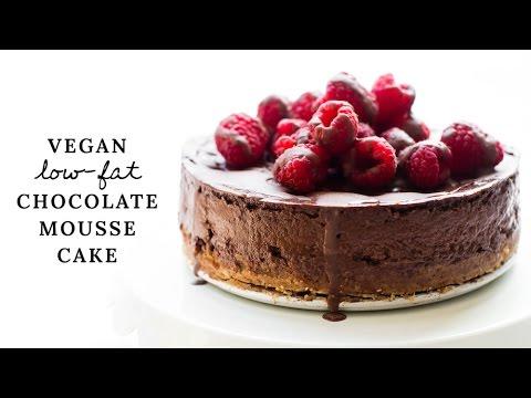 Video Low-Fat Vegan Chocolate Mousse Cake {gluten-free}