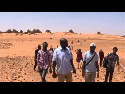 Trip to the pyramids of Begrawiya and th