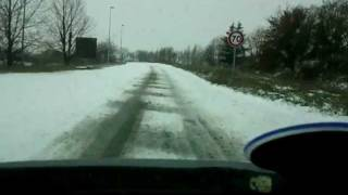 preview picture of video 'Libourne sous la neige 05/02/2012 test nokian WR G2'